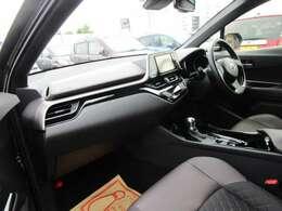 Wエアバッグ・ABS・シートヒーターあります!
