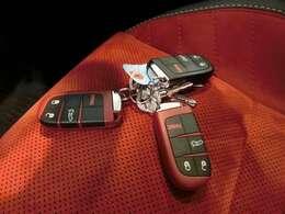 新車時からのキーが全て揃っております!レッドキー2本、ブラックキー1本!