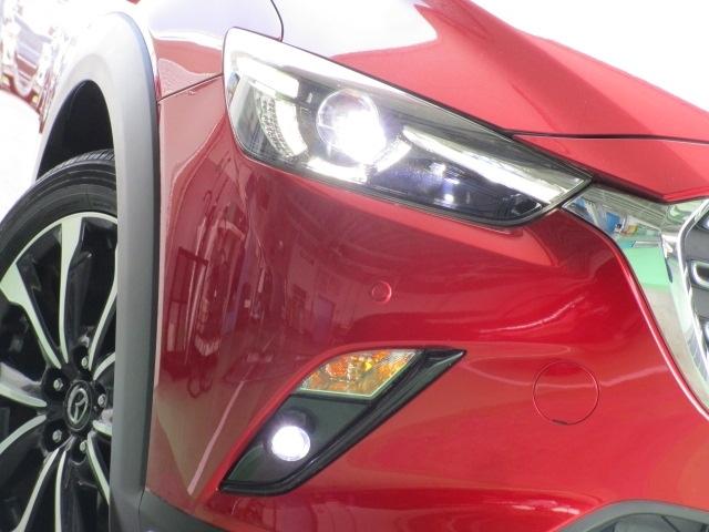 照射範囲を自動でコントロールするハイビームと、より広い範囲を照射するロービームの組み合わせでドライバーの危険認知をサポートしてくれるALHを装備!