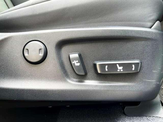 ボタン一つでシートを細かく調節可能です☆彡