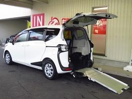 トヨタ シエンタ 1.5 X ウェルキャブ 車いす仕様車 タイプII スローパー車高調整機能付 車いす固定1台