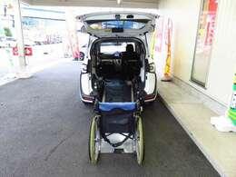 ★車いす固定装置装備!2ヶ所に固定出来ます