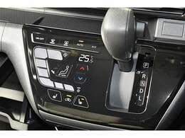 タッチパネル式フルオートエアコン(クリーンエアフィルター付き)/運転席&助手席シートヒーター(クッション部)/プッシュ式エンジンスイッチ(スマートキー)/インパネシフトCVT(無段変速機)