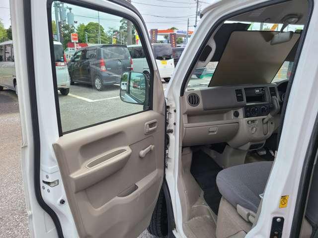 車検、修理も当店にお任せください!ドレスアップなども格安で承ります!