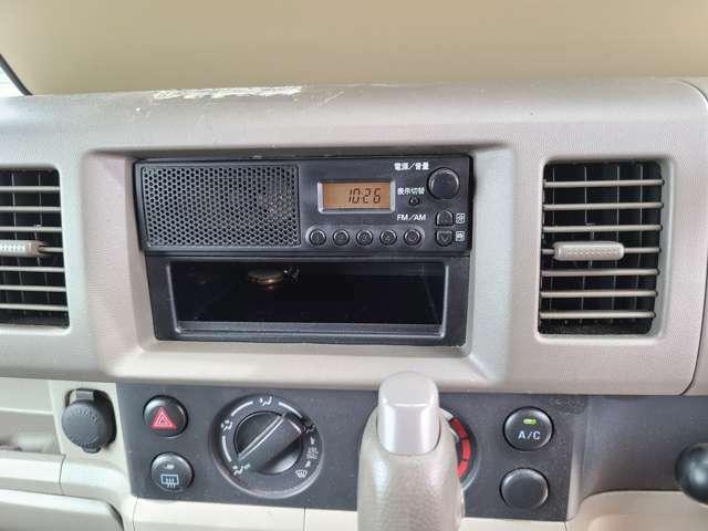 ラジオのみです。エアコンは、ばっちりきいてます!