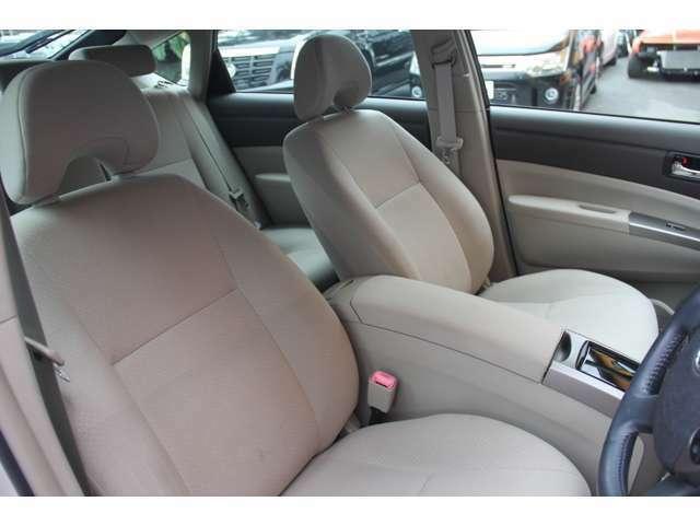 ☆使用感少なく綺麗な運転席    匂いやシミ汚れもなく安心して快適にお座りいただけます!