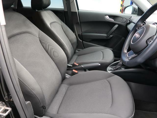 ●ゆったりとしたドライバースペースで、長時間の運転でも快適にお過ごしいただけます。