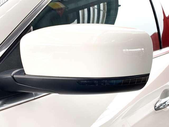 ウインカーミラーなので対向車からの視認性も良いです。事故抑制に繋がります。
