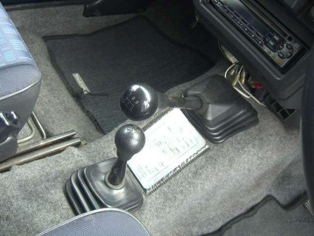 5速 4WD