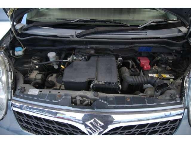エンジンルーム内のメンテナンスも自社整備工場にて整備しますのでご安心ください。