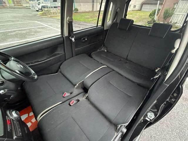 長距離運転等で疲れて時はシートを倒して寛げるスペースございます★