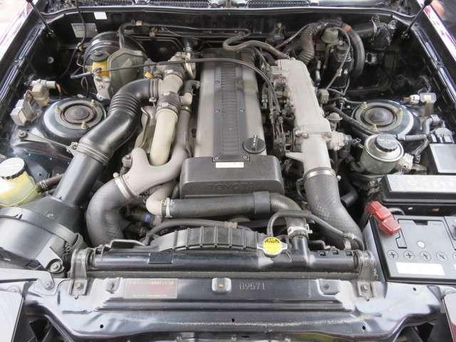 直列6気筒 1JZ 2500ツインカムツインターボ (280馬力)エンジン 快調です。