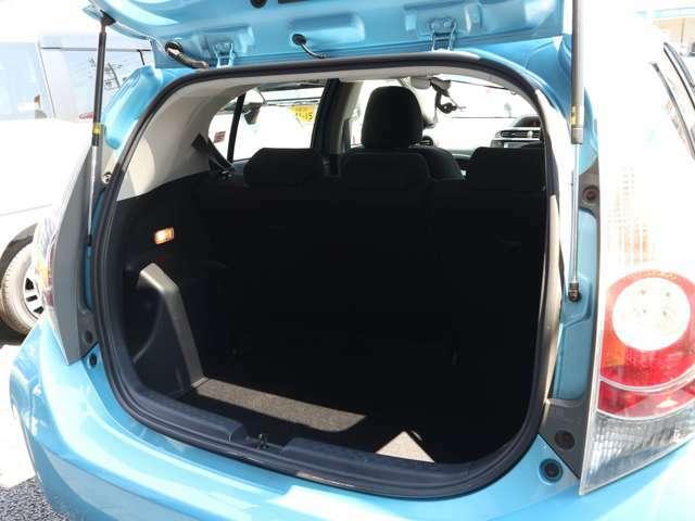 ●当社のコーティングは車の表面が無機質なガラス(sio2)となり、ガラス系ではなく正真正銘の本物のガラス質に変える新型コーティングです♪納車の際にお喜びいただいています。