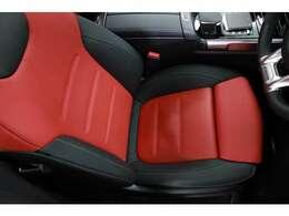 走行距離は6000kmで、運転席・助手席ともに使用感は少なく、美しい状態です。