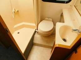 温水シャワー マリントイレ 洗面台ドレッサー