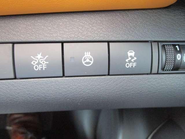 ステアリングヒーターや衝突被害軽減ブレーキも付いておりますので運転も安心。