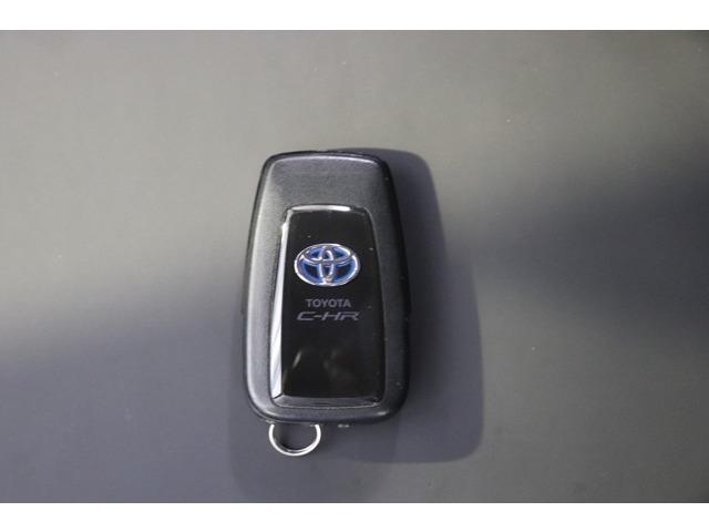 スマートキー 鍵を携帯していれば開閉できます。