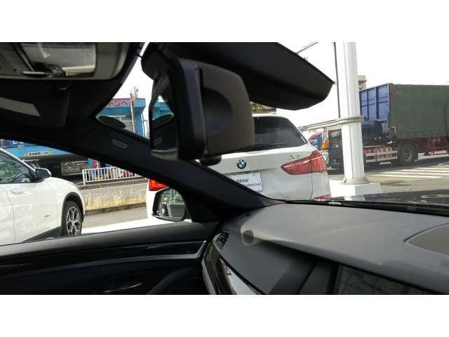 自動防眩機能付き、2.0 ETC内蔵型ルームミラーです。