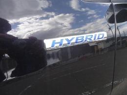 ☆ホンダのハイブリッドシステムを採用した低燃費モデル。カタログ値・24km/ L。モーターのみの走行可能です☆