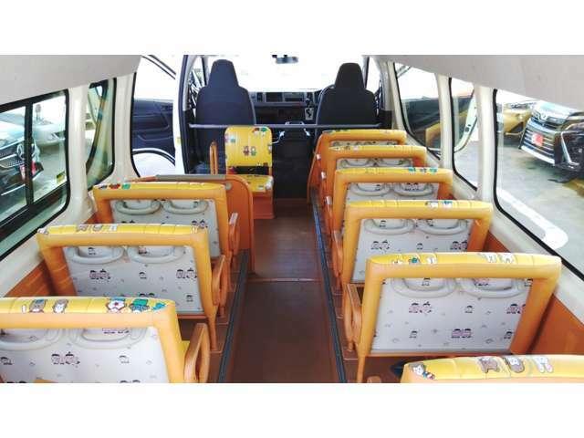幼児バス 大人4人 幼児18人 オートステップ