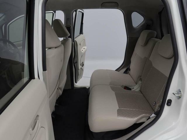 リアシートは 分割してスライド&リクライニング 後ろに乗られる方の快適ポジションでシートをあわせられます