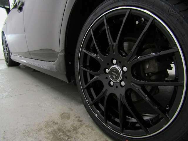 スマートキー・新品フルエアロ・新品18インチAW・新品タイヤ・HIDヘッドライト・ウィンカーミラー付でエクステリアもドレスアップ済!キマってます!!