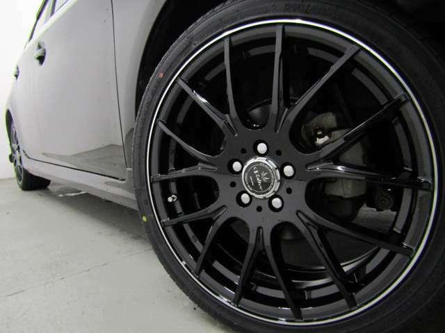 スマートキー・新品フルエアロ・新品18インチAW・新品タイヤ・HIDヘッドライト・ブラックインテリア・SDナビ・バックカメラ・地デジ・ブルートゥース・ETC等、装備多彩な後期型Sです!!