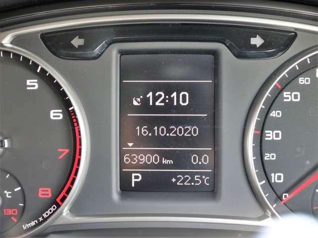 距離もまだまだ6.4万キロ!タイミングチェーン式のエンジンなので交換不要です★