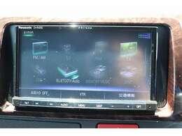 ストラーダ7型ナビを装備。フルセグTV、ブルートゥース接続、DVD再生可能、音楽の録音も可能です。