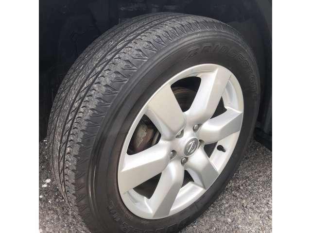 タイヤもまだまだ使用可能です!スタッドレスタイヤ、タイヤ交換、アルミホイールやインチアップなど足回りのドレスアップもお気軽にご相談ください♪