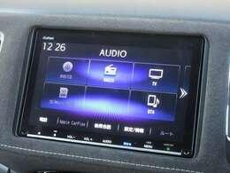 ギャザズ8インチメモリーナビ(VXM-207VFEi)を装着しております。AM、FM、CD、DVD再生、Bluetooth、音楽録音再生、フルセグTVがご使用いただけます。初めて訪れた場所でも道に迷わず安心ですね!