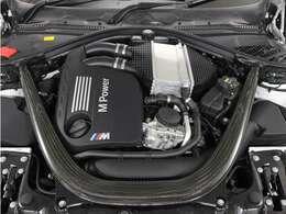出力431ps最大トルク/回転数kg・m/rpm56.1/5500のエンジンをご堪能ください!