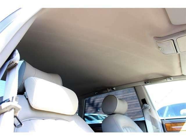 XJ6-3.2 ガレージ保管車 天井内張張替済み シート状態良好 距離も浅く、内外装共ピカピカなジャガーXJ6入庫致しました!