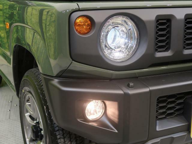 【LEDヘッドライト】LEDならではのデザイン性の高いライトデザインはスタイリッシュな外観にぴったりです☆明るさも良好なので夜間の走行も安心ですよ☆