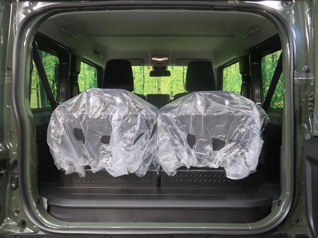 ラゲッジルームは、大容量のスペースを確保。軽自動車でもナメたらいけません☆