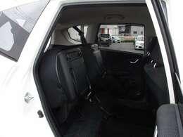 チップアップ機構付き。ホンダ車ならではの機構で便利です。