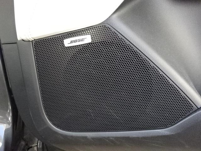 BOSEスピーカー付きです!スピーカーの数も多く3列目に座ってもしっかりと音楽を聴くことが出来ます!いい音で音楽が聴けるとドライブも楽しくなりますね