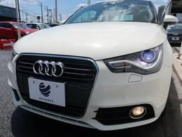 【オプション装備】●HIDヘッドライト『ハロゲンの数倍の明るさを誇る高寿命キセノンヘッドライトで、安全運転を支える良好な視界を!』