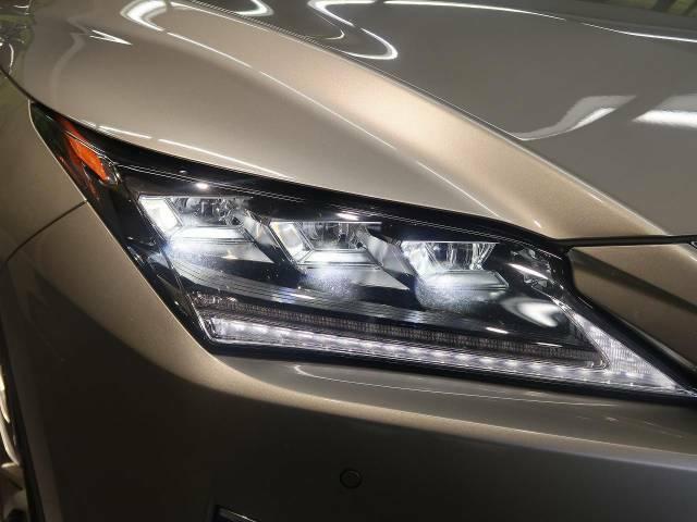 お洒落な【3眼LEDヘッドライト】装着車!より明るく、より安全に、よりかっこよく夜道をドライブできます!