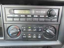 AM/FMラジオ聴けます♪マニュアルエアコンです!!