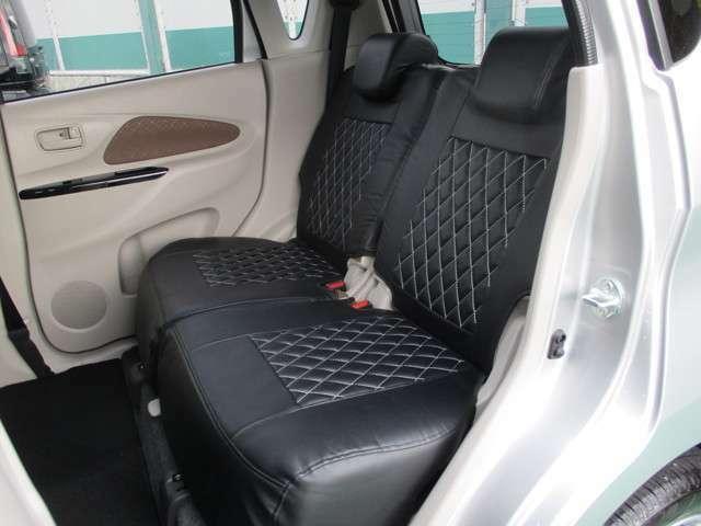 後席もゆったりと座って頂けます!