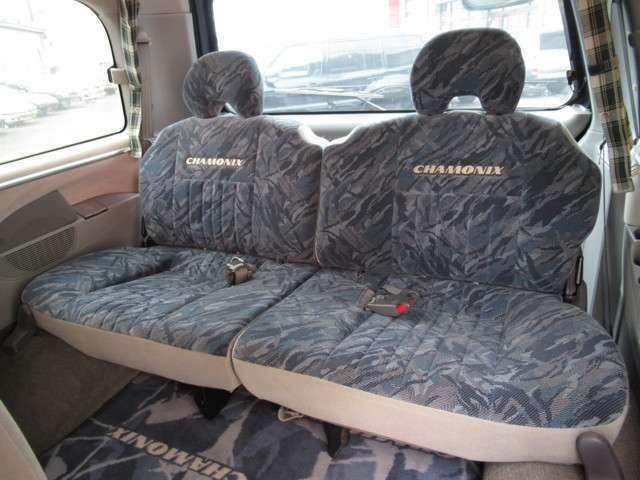 サードシートもキレイです☆