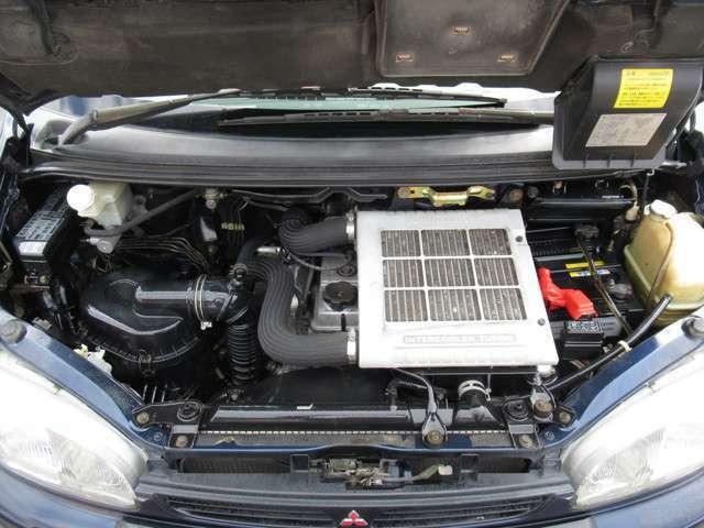 エンジンルームもクリーニング済み☆整備、車検も当店にお任せください!!