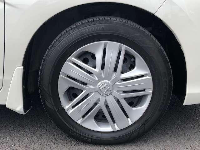 足元をグッと引き締めてくれるデザインの良さはもちろん、安定した軽快な走りも実感できます。タイヤの状態も良好です。