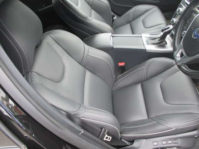 人間工学に基づき設計されたシートは座り心地もよく長距離もつかれにくいです。