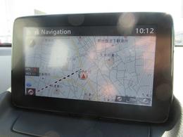 マツダコネクトナビ!手元を見ずに操作できるコマンダーコントロールや、音声認識機能、視線移動の少ないセンターディスプレイにより運転に集中して安全に走りをお楽しみいただけます。Bluetooth/AUX/UBS対応!!