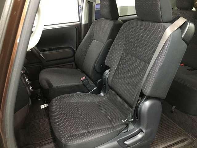 【助手席シート】ゆったり座ることができます。