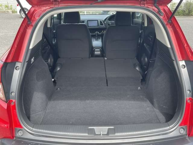フラットにするとこれだけ広いスペースを確保出来ます!車中泊で使用される方も増えてます!