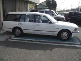 30年前の車とは思えません。外装はとても良い状態です