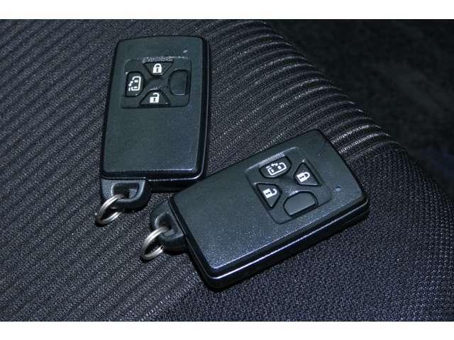 ■スマートエントリー&スタートシステム(ポケットや鞄に鍵を入れたまま鍵の開閉、エンジンスタート、ストップができます)